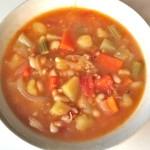 白インゲン豆入り野菜スープ